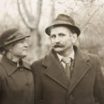 Old Photograph of a Man and Woman in Love - Genealogy Course Welcome