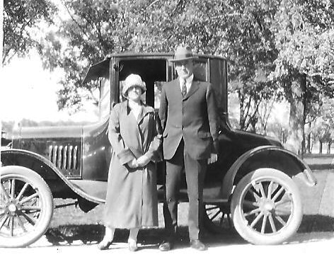 Edwin & Anna with Model T, 1925, newlyweds