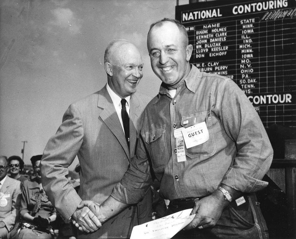 35 Plowman 2 - Bob Erickson with Eisenhower - 1956 Newton IA