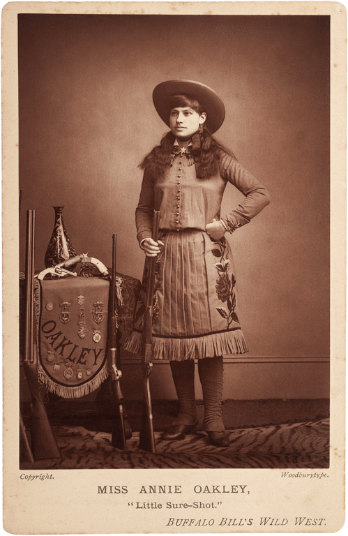 499px-Annie-Oakley-woodburytype-cabinet-card-c1890s