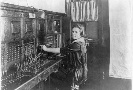 telephone_operator_1922_LoC