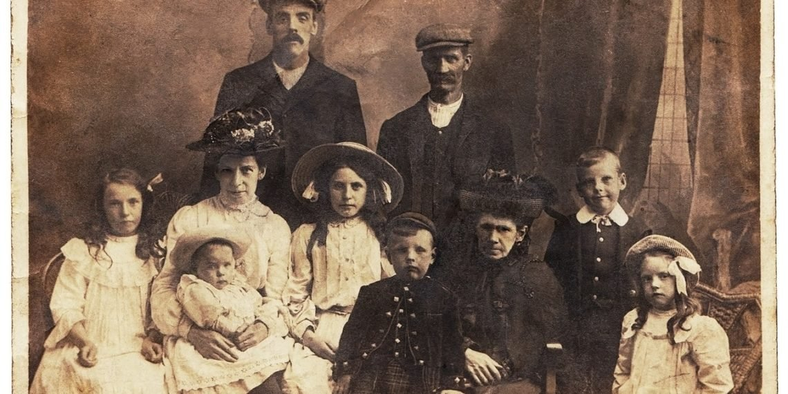 How to Easily Move Your Family Tree from (or to) Ancestry, MyHeritage or FindMyPast