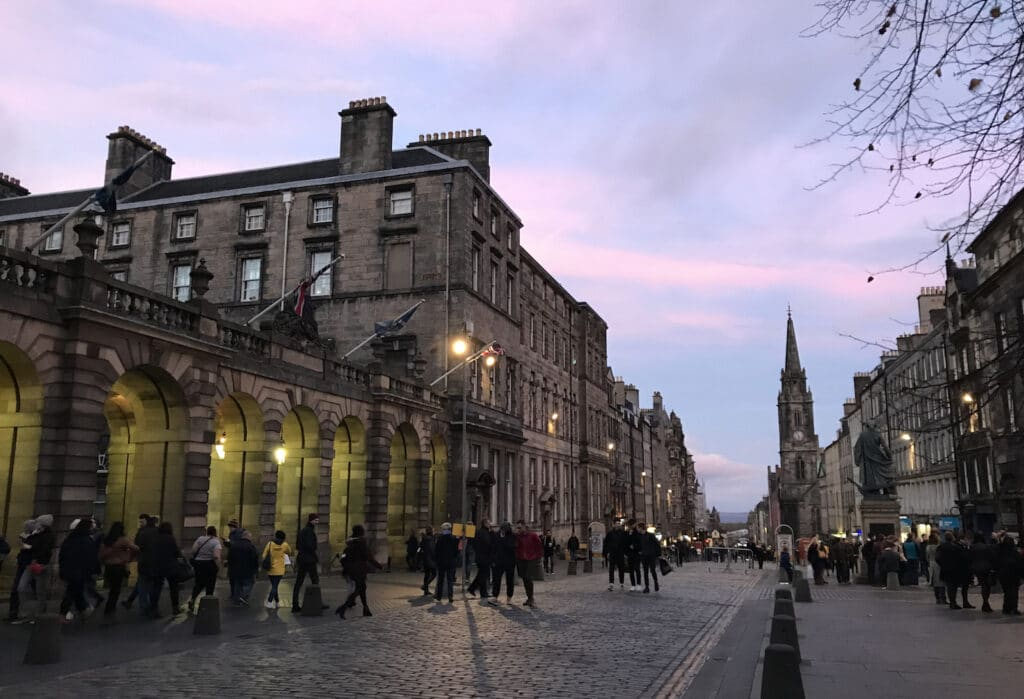 Genealogy Research Sites for Scotland - The Royal Mile in Edinburgh